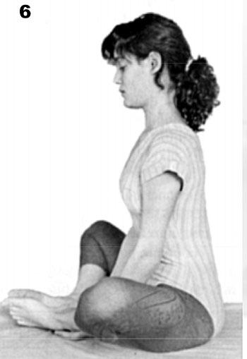 Paso 6 preparatório a postura de yoga Baddha Kanasana